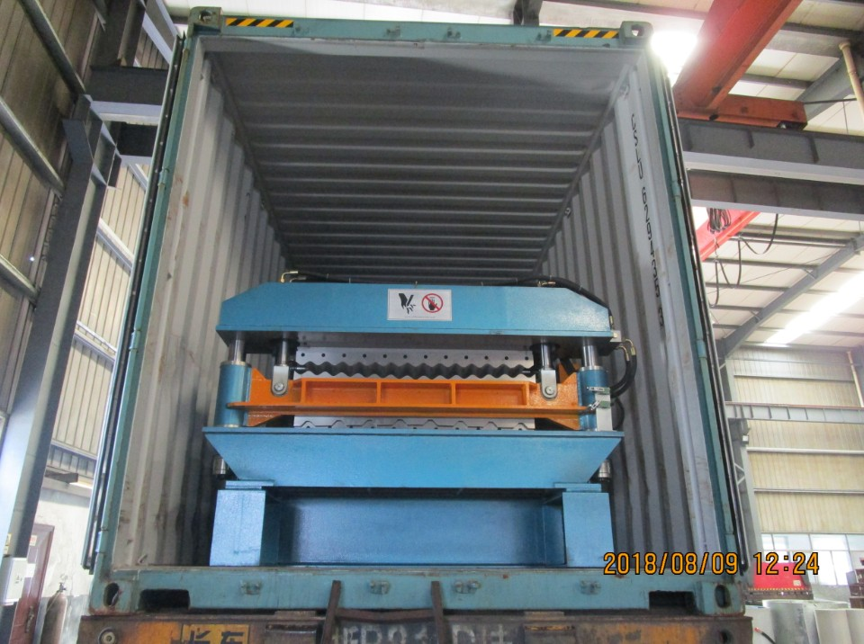 Delivery R101 R72 double roll forming machine with SGS certificate to Mexico on August 09,2018