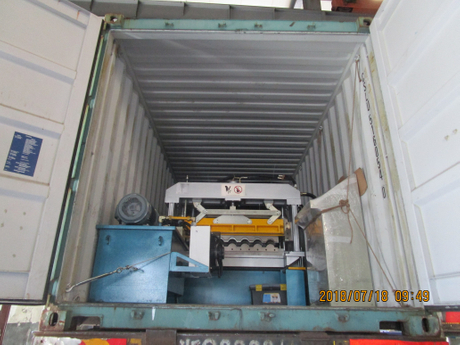 delivery of Metrocopo tile roll forming machine.JPG