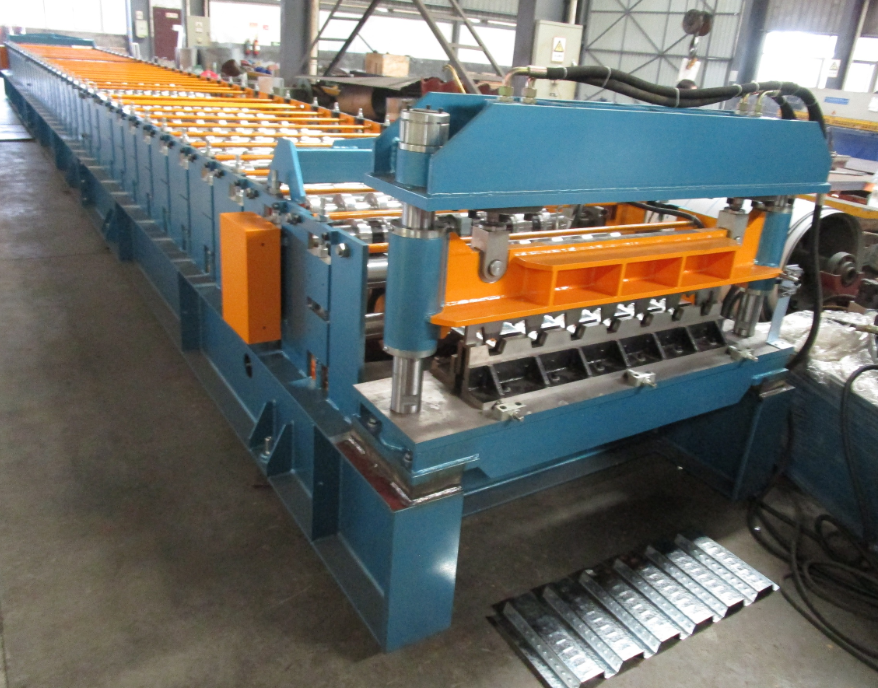 zhongyuan Decking Sheet Roll Forming Machine