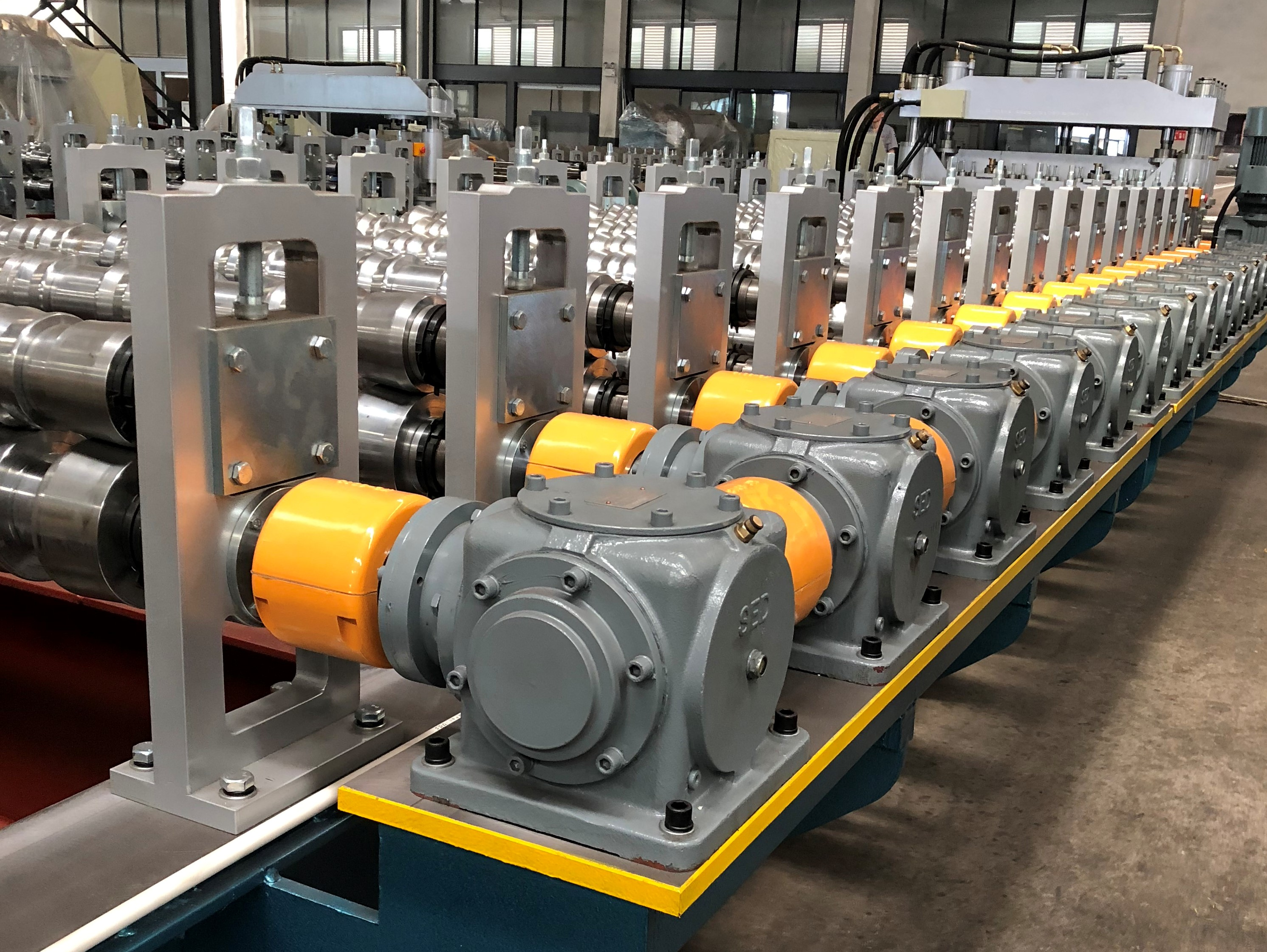 gear box transmission of roll forming machine